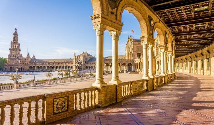 Malaga si Sevilla