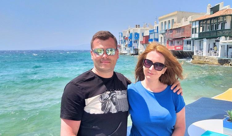 Santorini si Mykonos