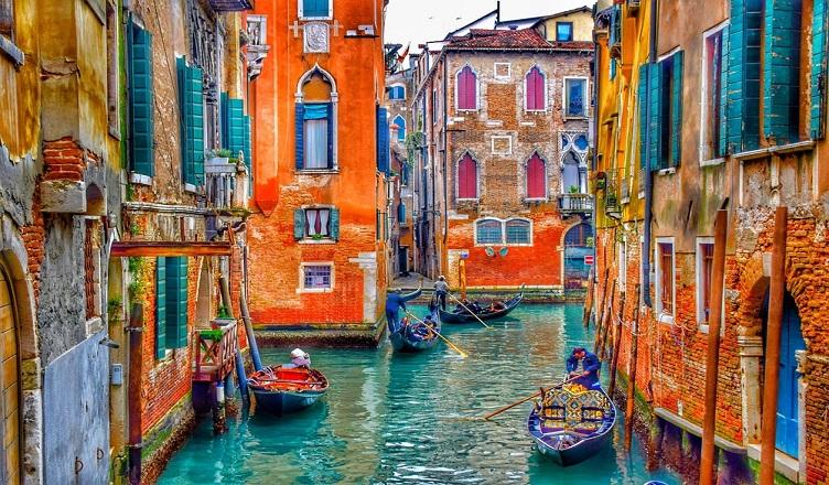 Zboruri spre Venetia