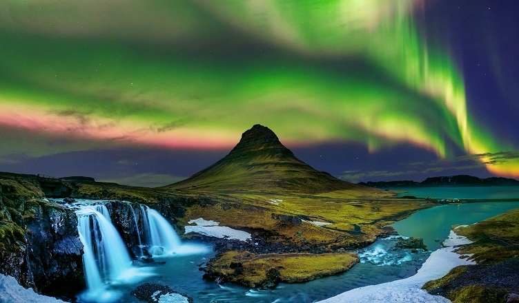 Zboruri spre Islanda