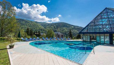 Hoteluri cu piscine
