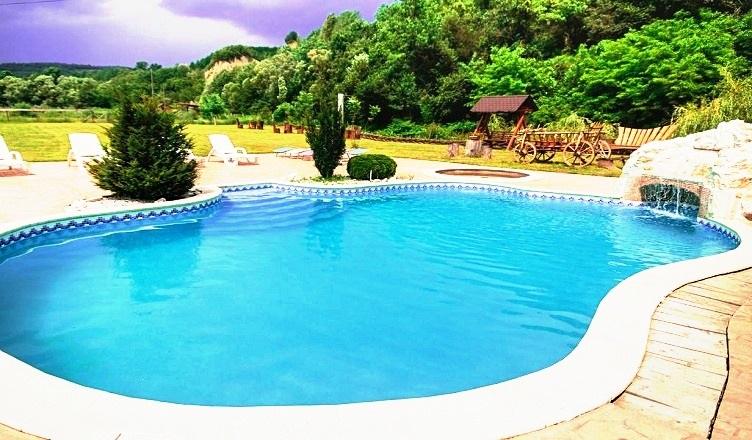pensiuni-piscina1